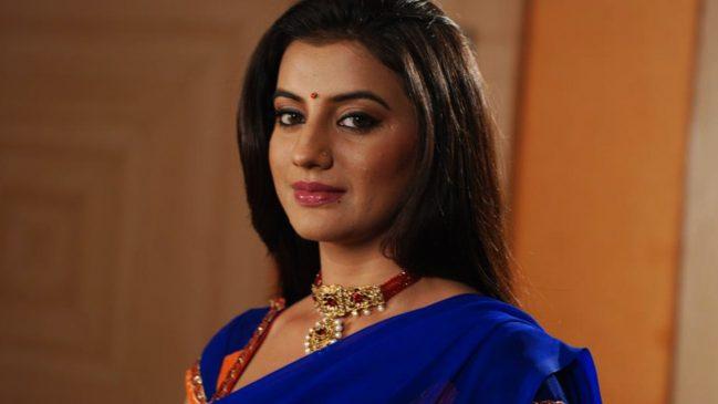 Akshara Singh Income