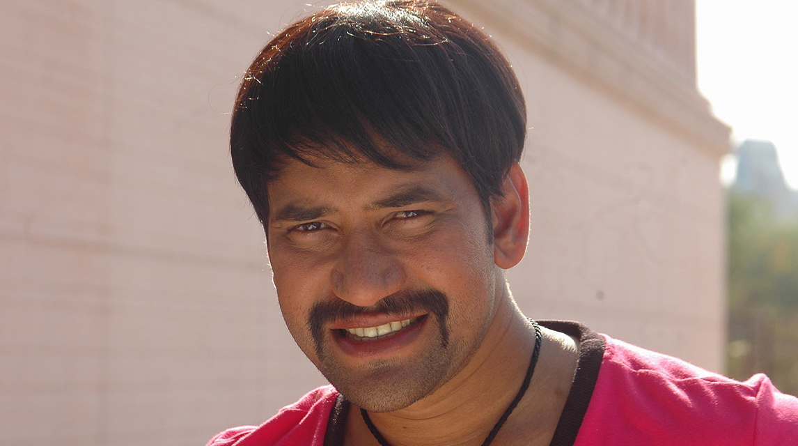 Dinesh lal yadav income